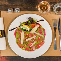 la-fabrik-steakhouse-food-&-drink-restaurant-bar-hangar-quai-rouen-seine-28-carpaccio-boeuf-200x200