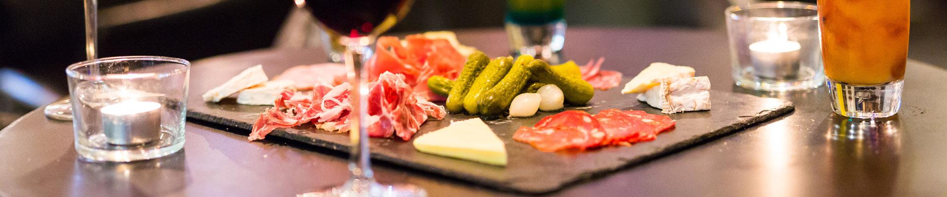 la-fabrik-steakhouse-food-&-drink-restaurant-bar-hangar-quai-rouen-seine-49-bandeau-planche-1920x400